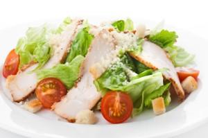 Салат «Цезарь» классический с курицей