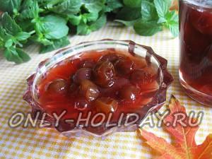 Виноградное варенье с косточками