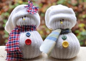 Снеговики из носков своими руками к Новому году