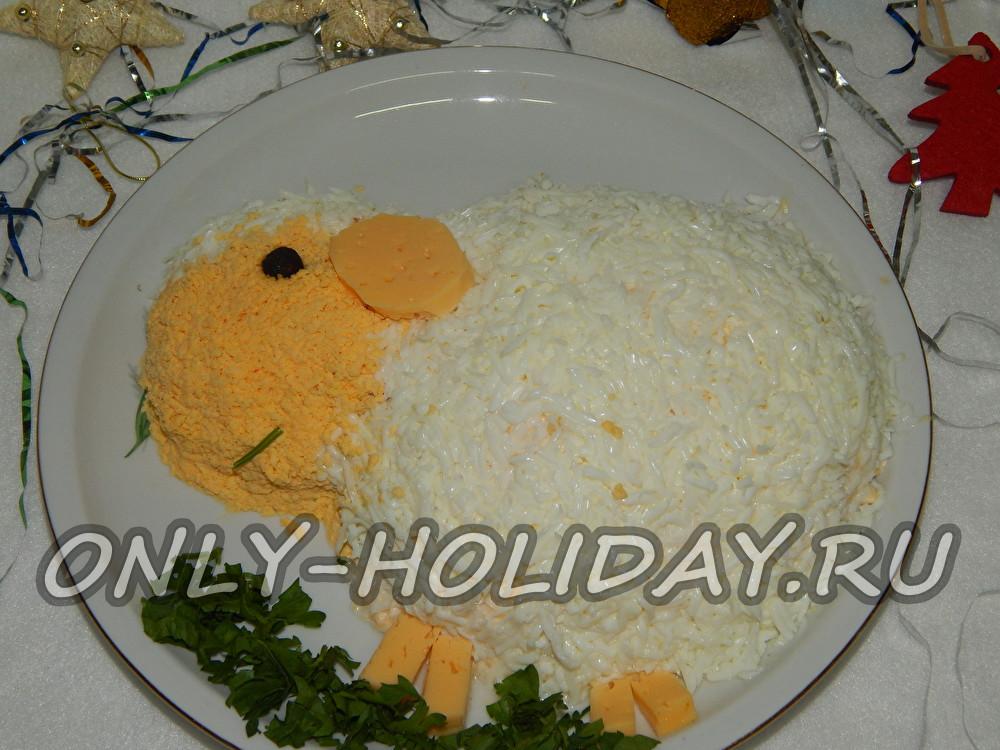 Слоеный новогодний салат «Овечка»
