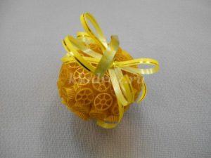 шарик на елку из макарон