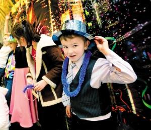 Новогоднее представление 2015 в школе
