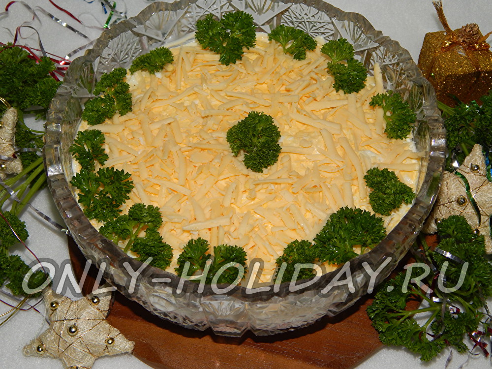 Классический салат «Мимоза» с сыром
