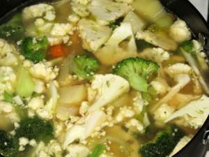 ovoshhnoj-sup-s-brokkoli-i-cvetnoj-kapustoj