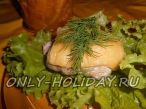 Куриные рулетики с яблоками и сыром