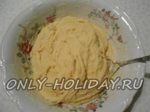 Замесить негустое, пышное тесто для сникердудлей.