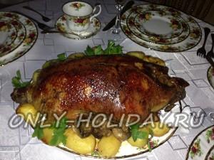 Утка с яблоками в духовке, пошаговый рецепт с фото