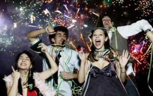 Приметы на Новый год - веселье с друзьями