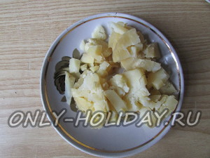 нарезать картофель для салата Обезьянка