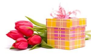 приятные подарки на 8 марта