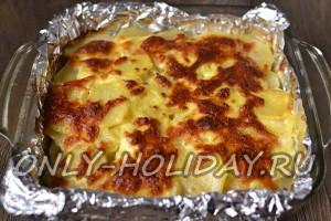 Готовить картофельную запеканку с фаршем в духовке