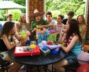 Конкурсы на день рождения за столом смешные веселые