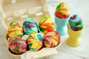 пасхальные яйца в пене для бритья