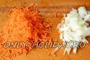 Подготовить морковь и лук