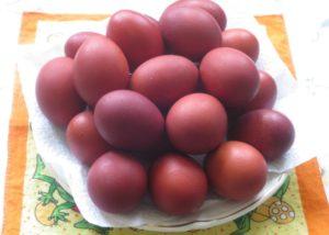 яйца, покрашенные свеклой