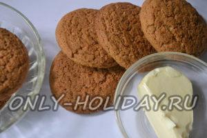 Овсяное печенье для чизкейка без выпечки