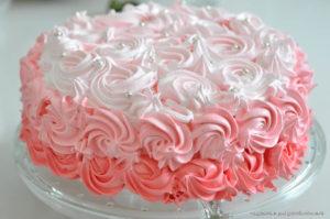 Белковый крем для украшения торта- хорошо держит форму