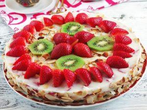 Торт с клубникой вкусный