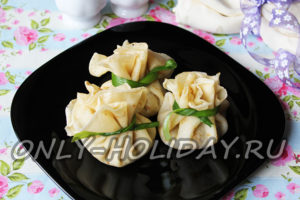Блинные мешочки с начинкой: рецепт с фото