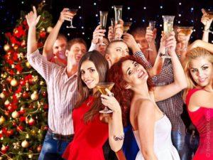 Сценка-поздравление с Новым годом на корпоратив для коллег