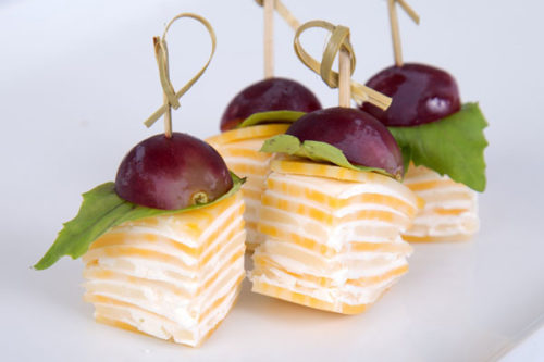 с сыром и виноградом