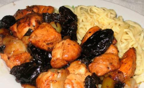 Яния из курицы с черносливом