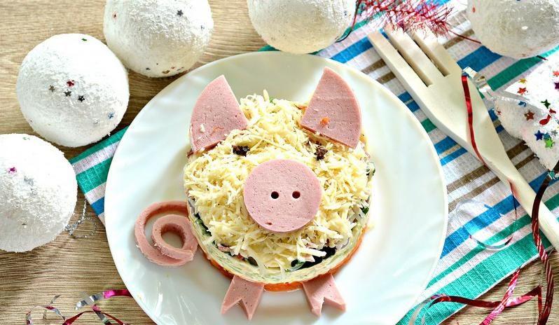 салат в виде свинки