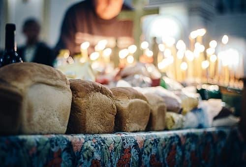 хлеб и свечи