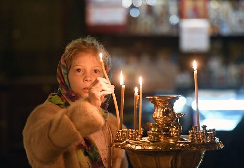 ребенок и свеча