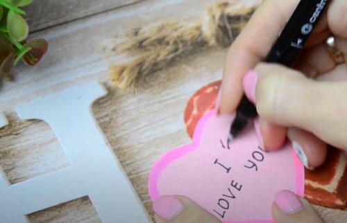 Пишем надпись «I LOVE YOU»
