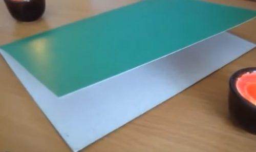 Приклеить белый лист бумаги
