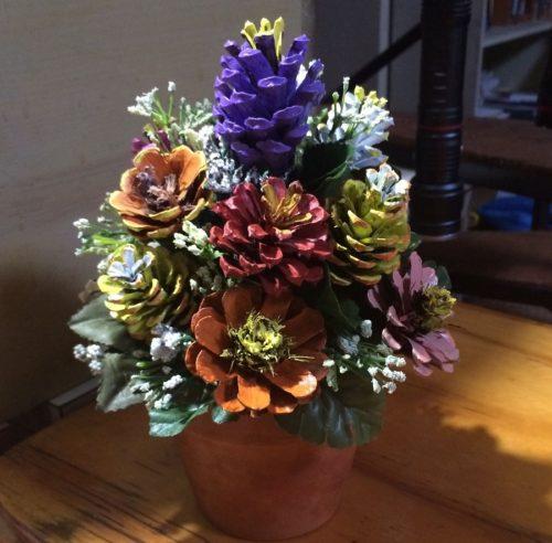 Цветы из шишец