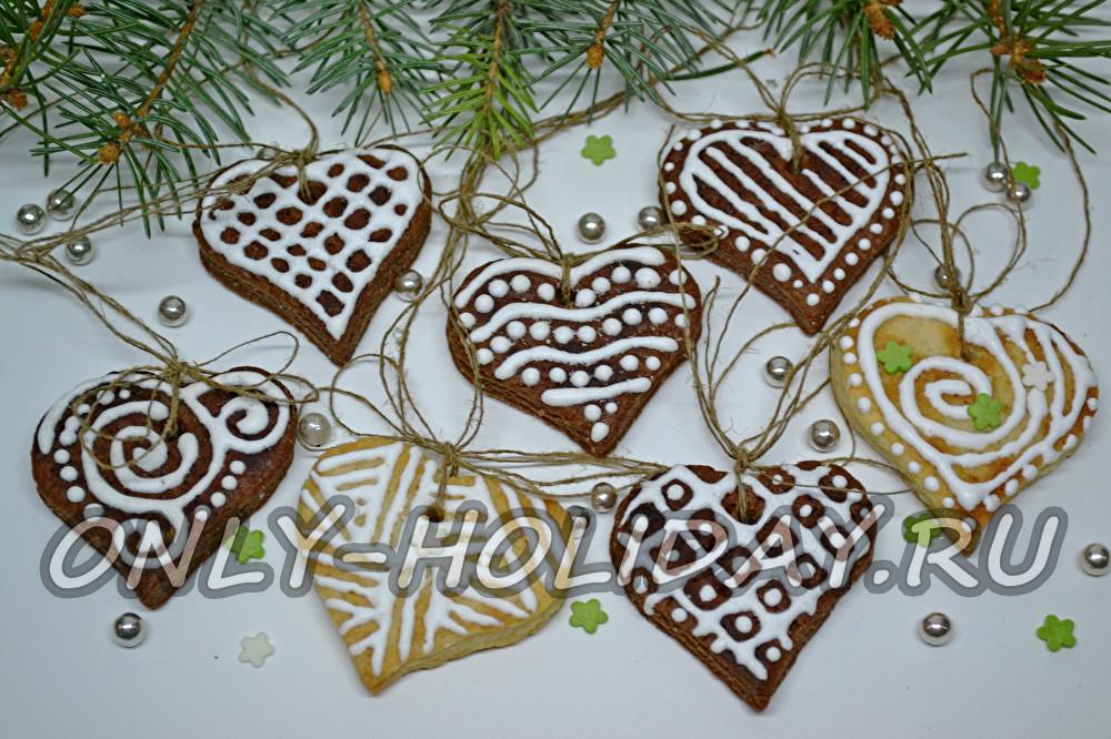 Новогоднее печенье на елку с глазурью