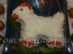 Новогодний салат в виде козы