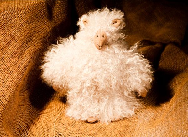Как сшить овечку из меха