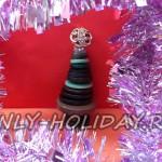 Новогодняя елочка из пуговиц