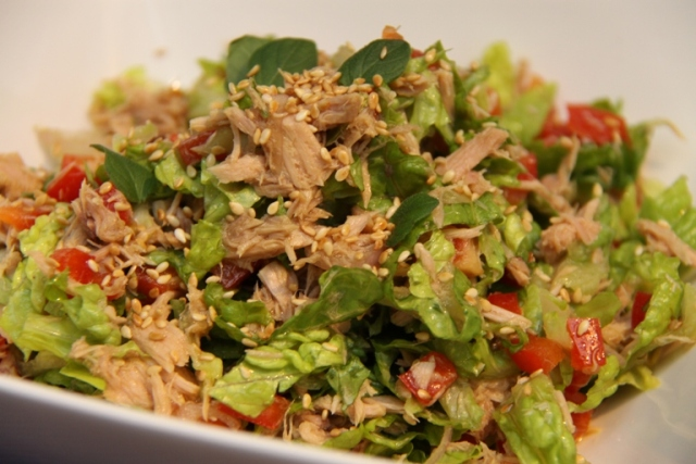 Салат из тунца консервированного пекинской