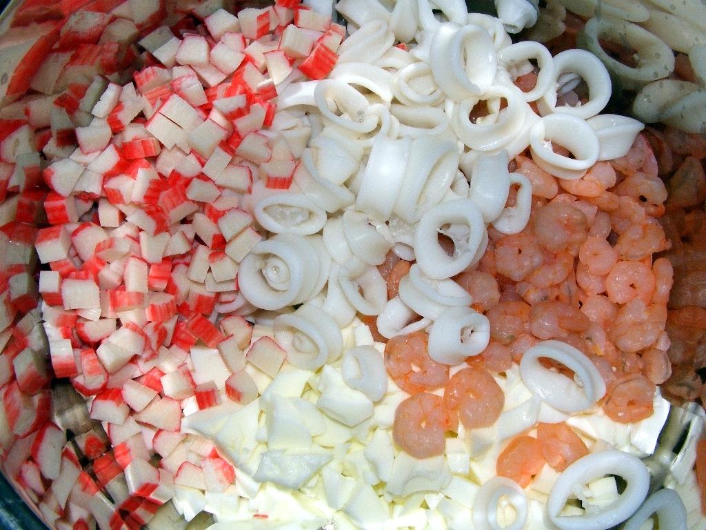 салат из кальмаров красной икры крабовых рецепт