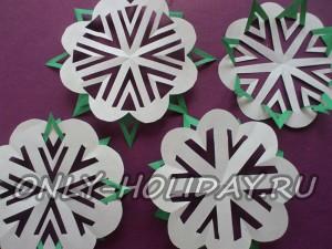 Как вырезать красивые снежинки из бумаги (пошаговый мастер-класс)