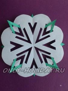 бумажная снежинка