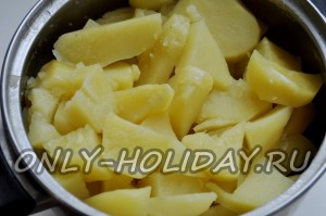 готовый вареный картофель