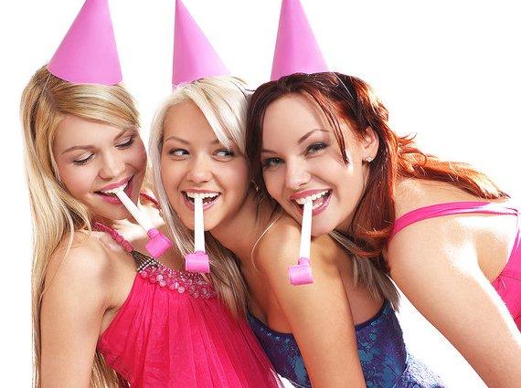 новые конкурсы на день рождения взрослых смешные застольные видео