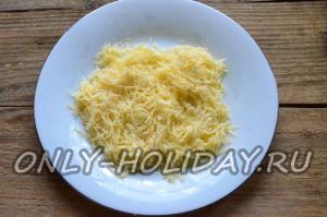 сыр любого сорта натрите на мелкой терке