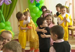 Сценарий праздника 8 марта  для средней группы детского сада