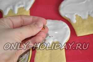 пасхальное печенье украсьте глазурью
