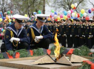 Сценарий митинга на 9 мая День Победы у памятника