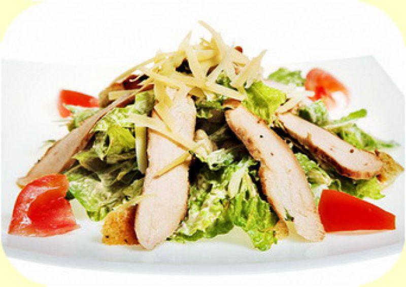 салат цезарь простой рецепт с курицей и сухариками