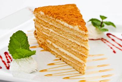 """Торт """"Рыжик"""": классический рецепт с фото пошагово"""