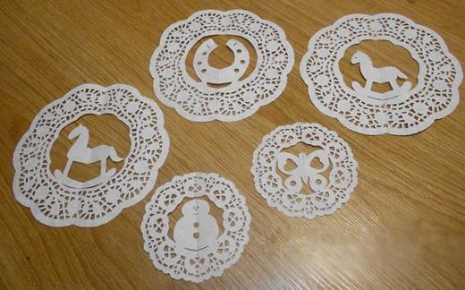 Снежинки из бумажных салфеток своими руками 5