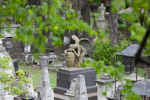 Почему беременным нельзя ходить на кладбище на пасху 18